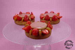 Tartelettes fraises & rhubarbe par Claire Heitzler
