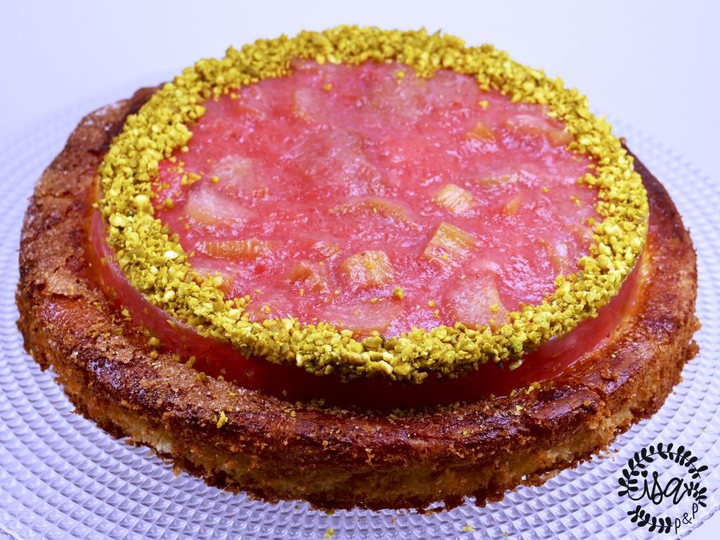 La tarte briochée fraise rhubarbe