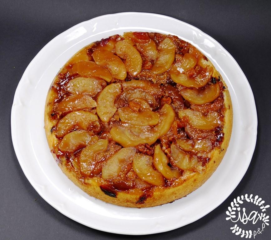 Tarte Tatin, pomme figues et fruits secs.