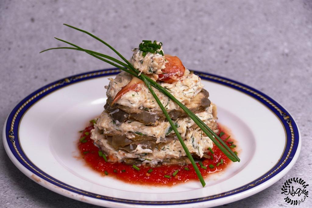 Millefeuille d'artichaut au crabe