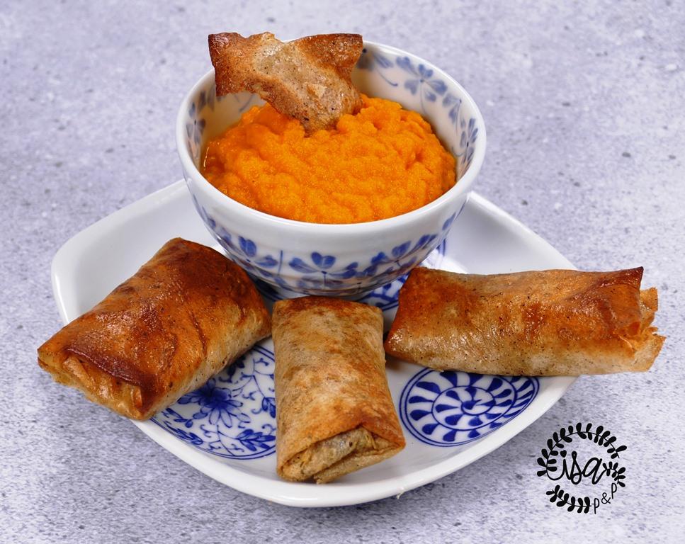 Rouleaux de sarrasin à la sardine et crème de carottes