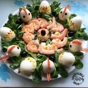 Les œufs Poules et poussins