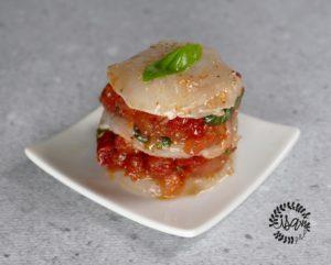 Millefeuille de Saint-Jacques & concassée de tomates