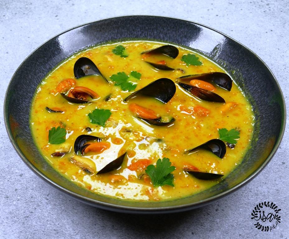 Velouté de moules au curry
