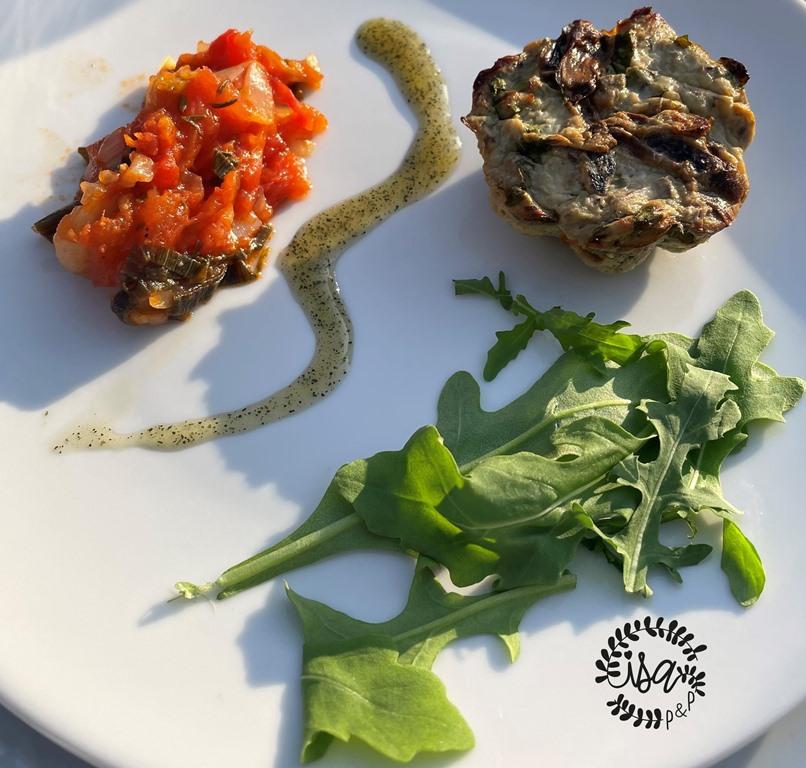 Flan d'aubergine à la sardine et sa concassée de tomates