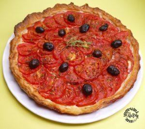 Tarte à la tomate parfumée au thym